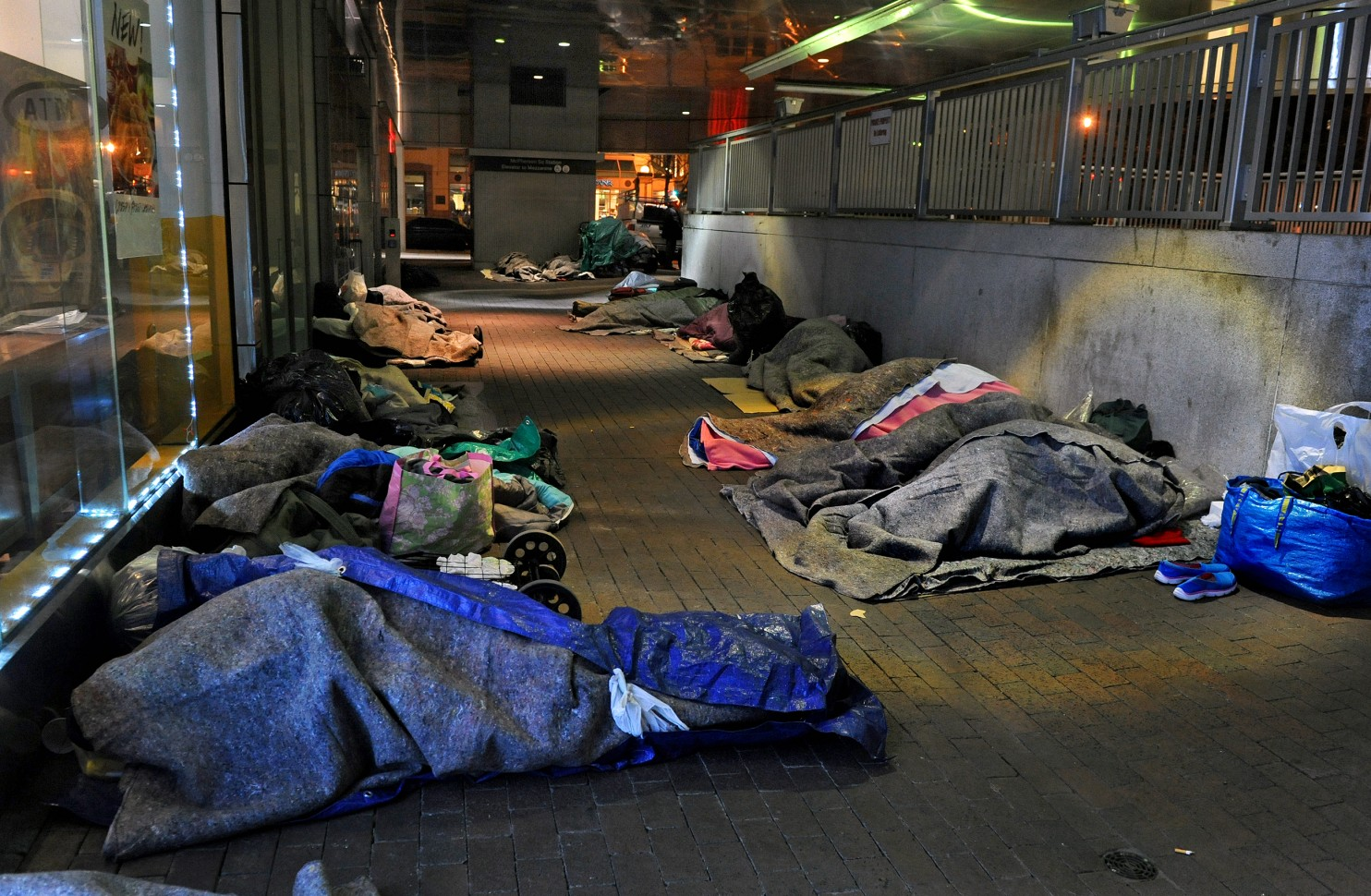 the issue of homeless people in modern world in the united states We did it by giving homes to homeless people, lloyd pendleton, director of utah's homeless task force, told daily show correspondent hasan minhaj in january since 2005, the state has reduced.