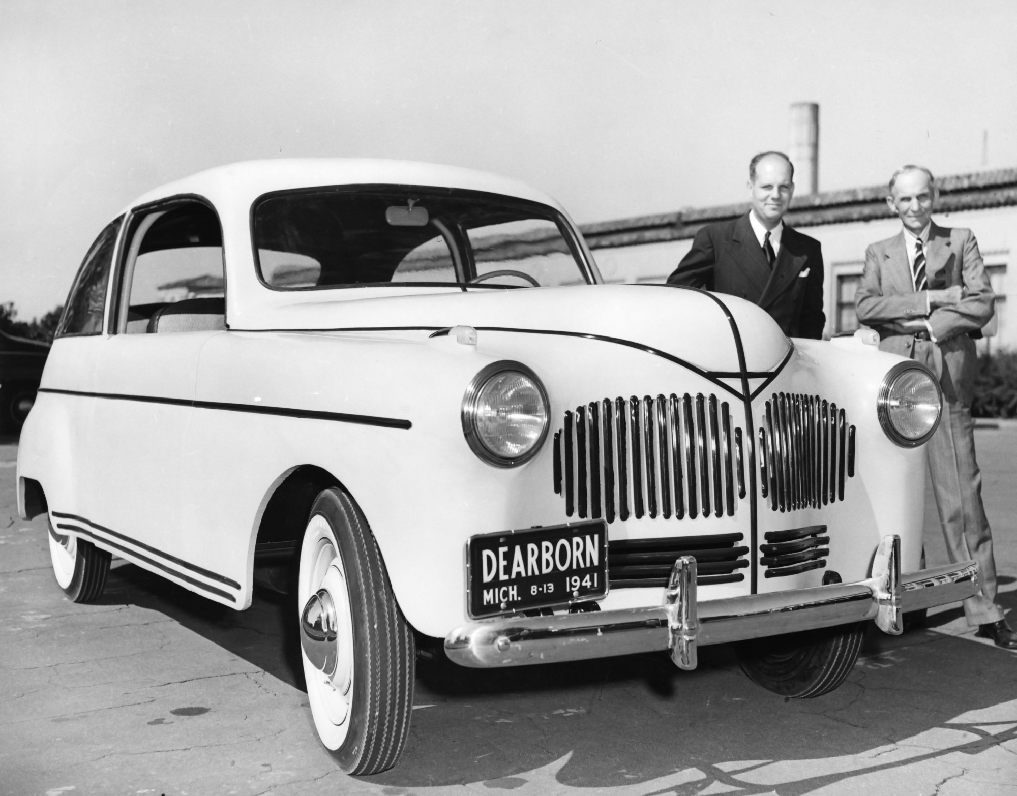Henry Ford Invented Hemp Cars That Ran On Hemp Fuel – AntiMedia News ...